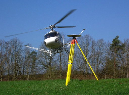 Fugro FLI-MAP helikopter met GPS-basisstation
